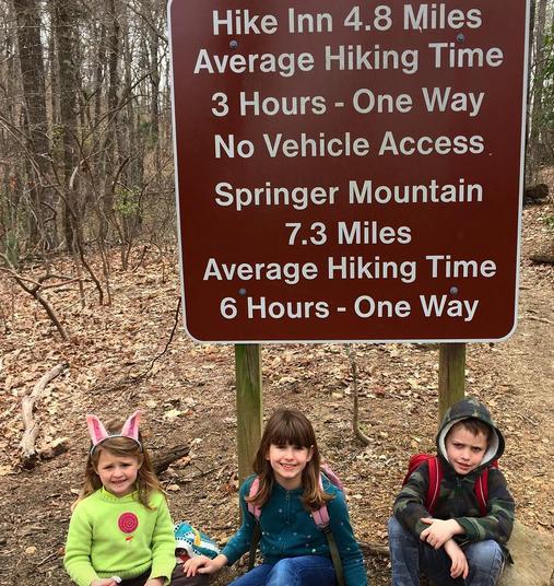 start of hike to inn